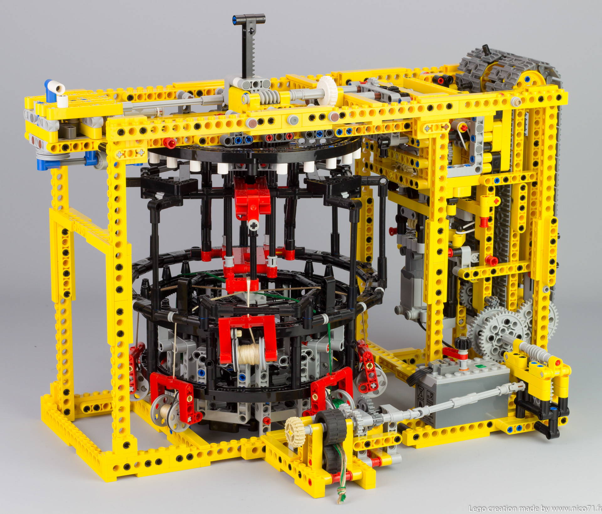 lego-technic-kumihimo-braiding-machine-3