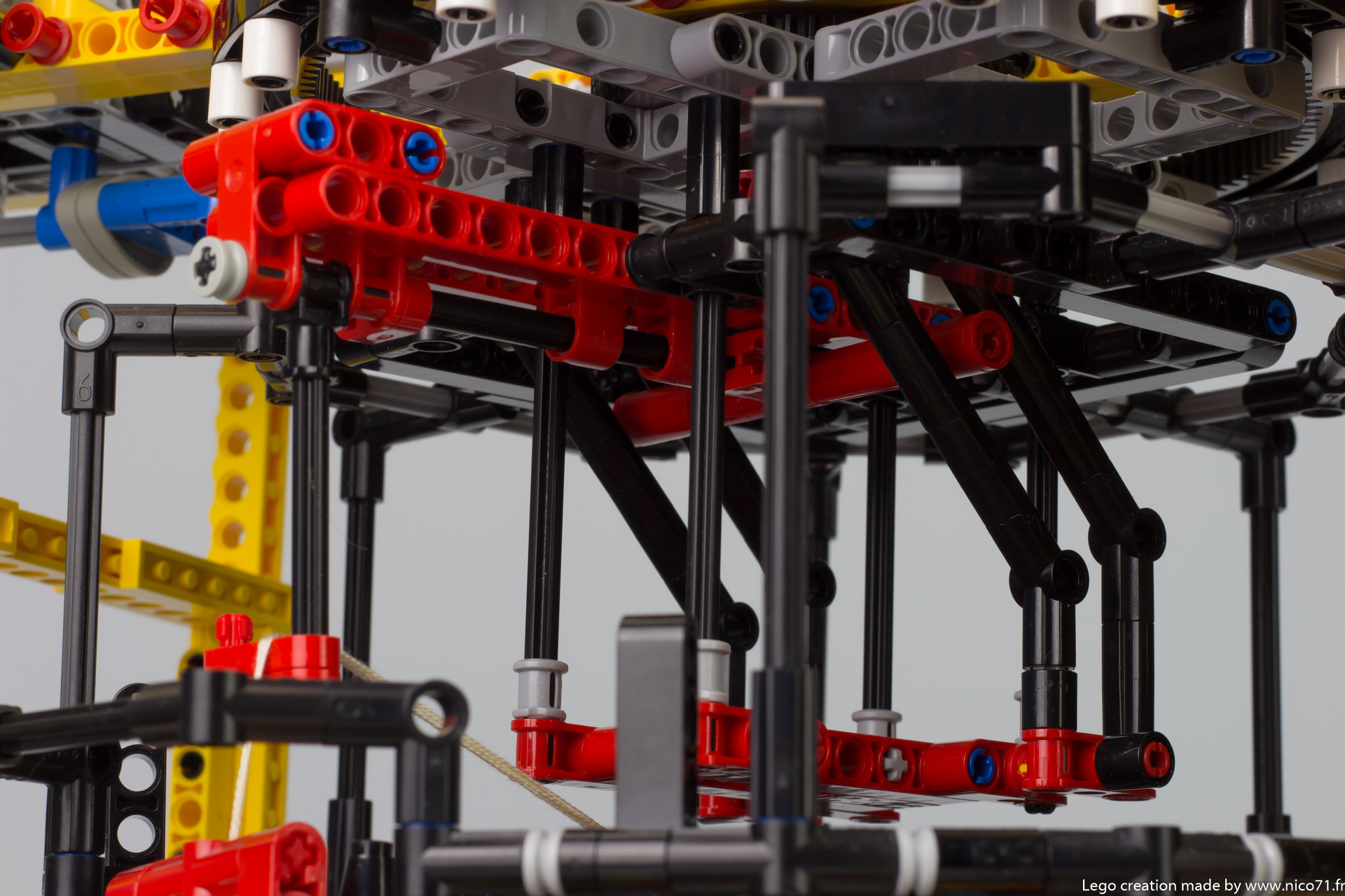 lego-technic-kumihimo-braiding-machine-8