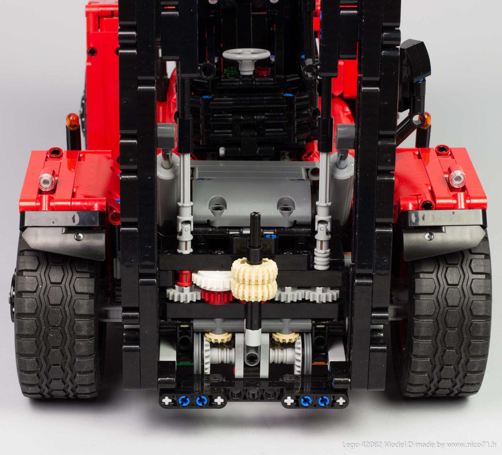 Lego-42082-Model-D-Heavy-Forklift-14