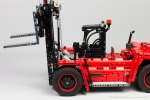 Lego-42082-Model-D-Heavy-Forklift-18