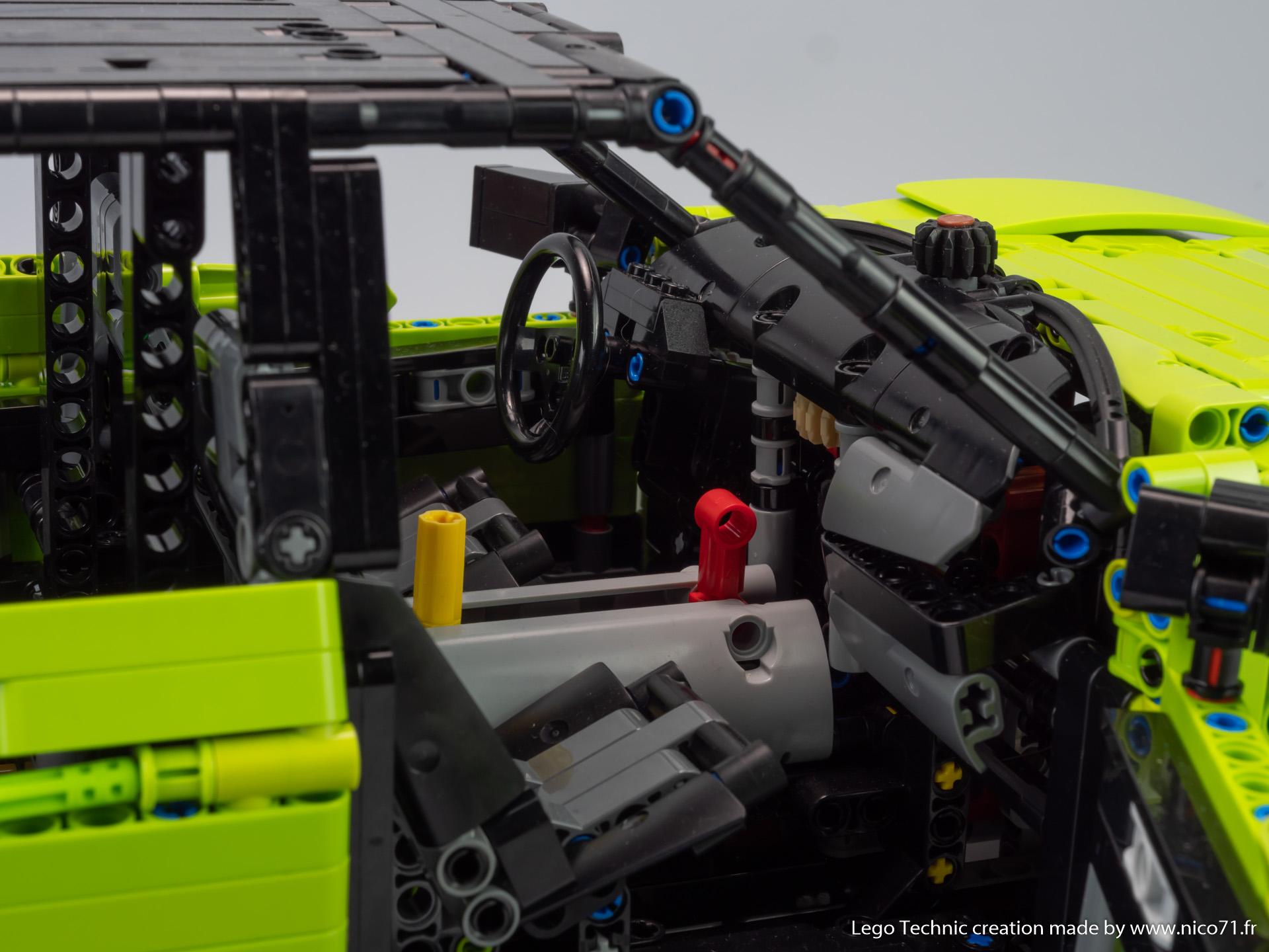 Lego-42115-Model-B-Ford-F150-14