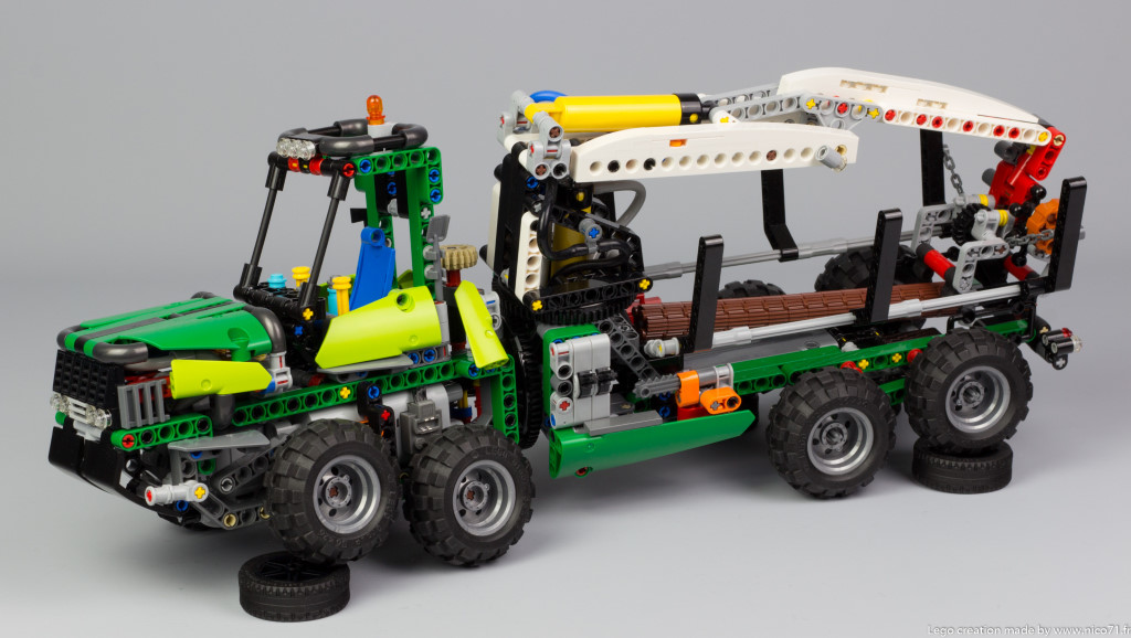lego-technic-42080-model-c-forwarder-9.j