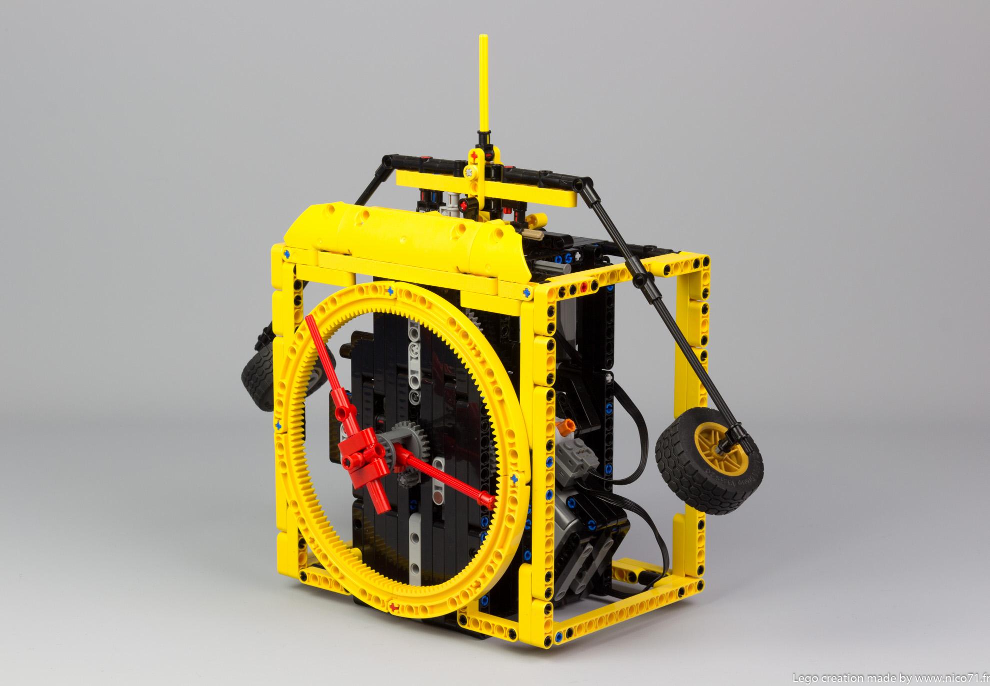 Lego-Technic-Balance-Clock-2