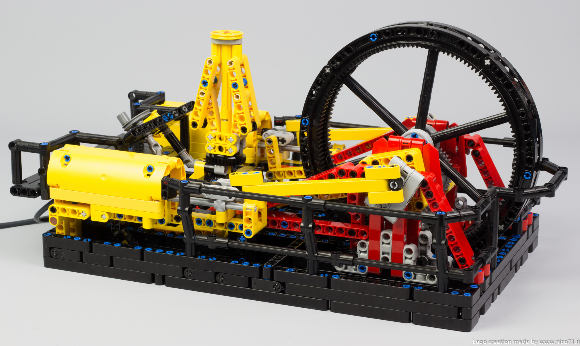 Lego-Technic-Steam-Engine-Machine-1