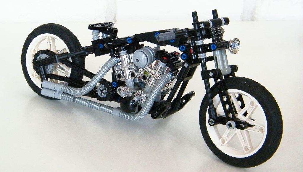 Moto Guzzi V85 TT Scrambler - Motociclismo