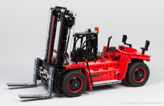 Heavy Forklift Truck in Lego Technic